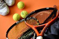 ガットの即張りします!ウィングローバルテニスアカデミー熊谷