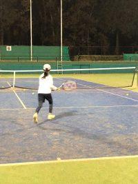 本日のテニスは雨の中…